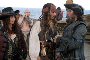 Captain Jack (JOHNNY DEPP), center, Angelica (PENELOPE CRUZ), Blackbeard (IAN McSHANE) and their eerie crew land on an island where they hope to find the fabled Fountain of Youth in Pirates of the Caribbean: On Stranger Tides, from Disney. (MCT)