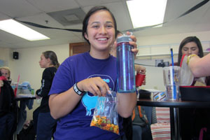 Water issues prompt AHN students to switch to reusable drinking bottles