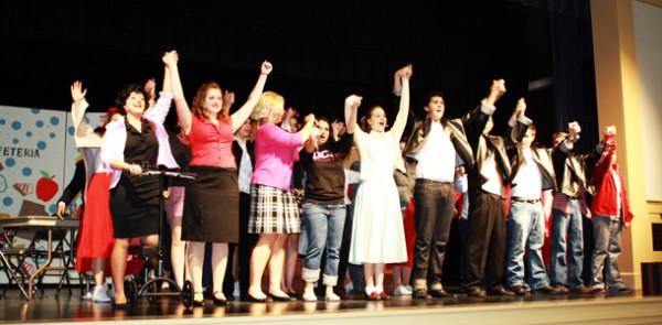 Bayshore Players rise to challenges in 'Grease'