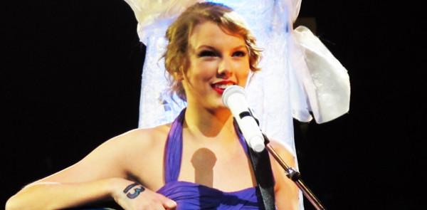 Taylor+Swift+%27speaks+now%27