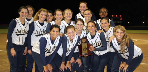 Softball wins Region Semi-Finals over Arcadia