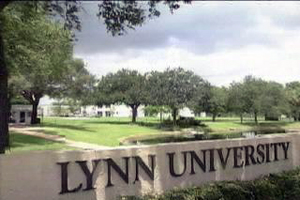 Mini-Course Week trip to Lynn University provides glimpse of student life on campus