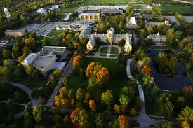 St. Mary's College offers Notre Dame environment with advantages of Academy lifestyle