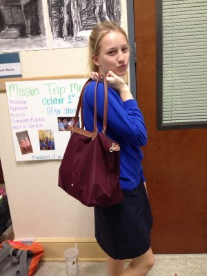 Junior+Taylor+Klinge+cannot+leave+the+house+without+her+Longchamp+bag