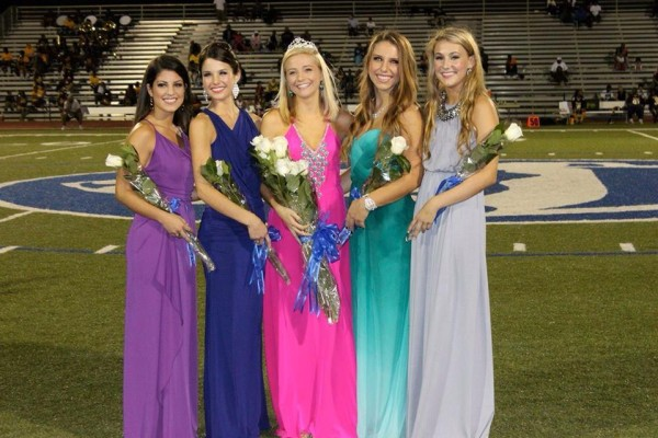 Alexa Camereno, Melissa Mainzer, Claire Snyder, Sydney Sinardi, and Claire Lamoureux are recognized as the Jesuit Homecoming Court.