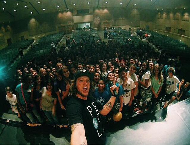 Mike takes a photo with each one of his audiences, and he's one from the event AHN attended in September.
