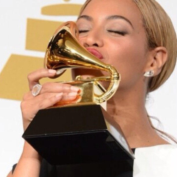 Beyonce kissed her Grammy award after winning for Best Traditional R&B performance in 2014.