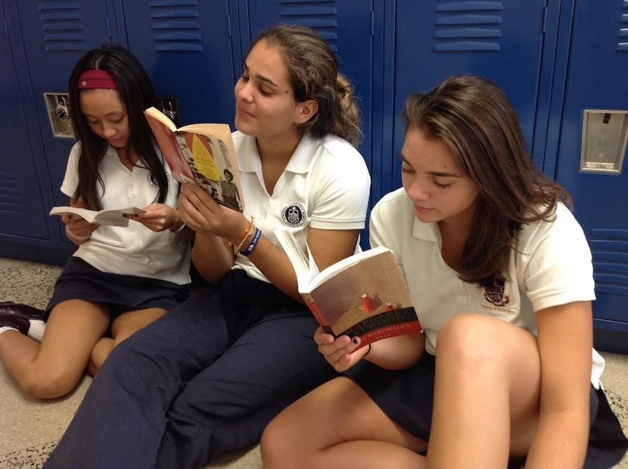 Photo credit: Keri Kelly Gillian Garcia (left), lexis Miniet, and Lexi Diez reminisce about their favorite summer reading novels.