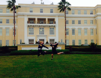 Sophomores Audrey Diaz and McKenna Weathers on the front lawn. Photo Credits: Audrey Diaz