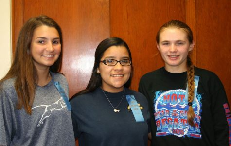 (From left to right) Hannah Smallwood, Maria Almendares, Sydney Lowman.