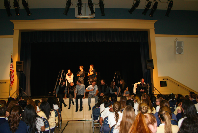 After the show, the actors answered any questions students had for them. Credit: Jessica Galvis/Achona Online