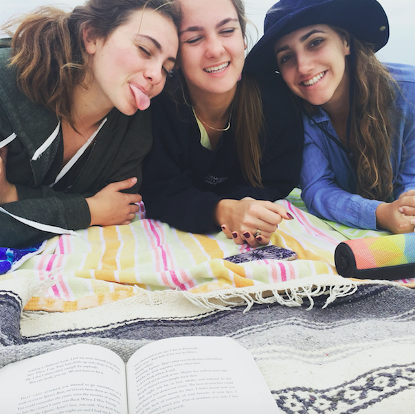 Photo+Credit%3A+Sophia+Mastro%2F+Achona+Online.+AHN+students+enjoy+the+cold+weather+and+are+anxious+to+experience+more.+