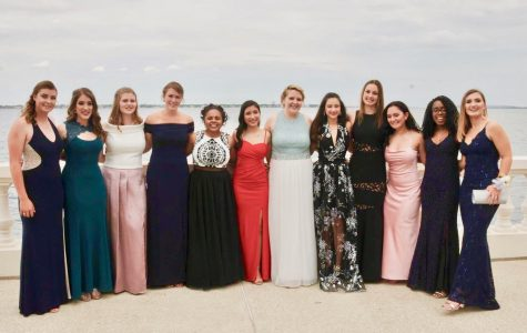 As tradition, the Senior class took their prom pictures on bayshore and in front of the Academy building.