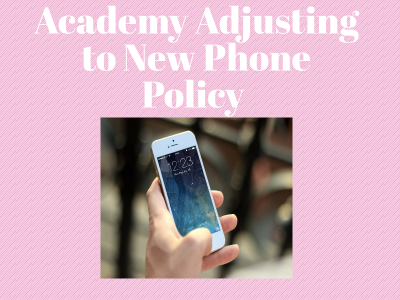 Photo credit: Katherine Rodriguez/Achona online/Piktochart Students can now have their phones in between classes and at lunch, which is what the majority of public schools allow.