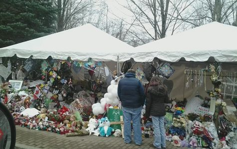 The Sandy Hook Elementary School makeshift memorial on Washington Avenue in Sandy Hook, Conn., 12 days after the shootings at Sandy Hook Elementary School. (Wed 12/26)