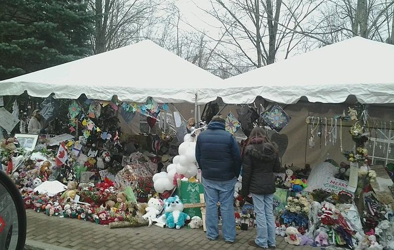 The Sandy Hook Elementary School makeshift memorial on Washington Avenue in Sandy Hook, Conn., 12 days after the shootings at Sandy Hook Elementary School. (Wed 12/26)