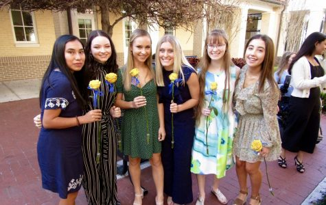 Last week, students, family, friends, and teachers gathered to celebrate The Academy of the Holy Names's annual Junior Ring Ceremony. (Photo Credit: Georgia Ruffolo/Achona Online)
